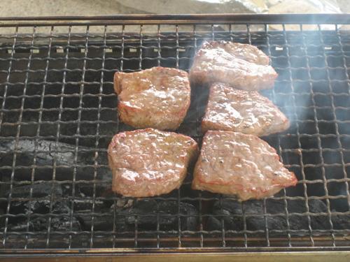 牛もも肉の焼き肉燻製