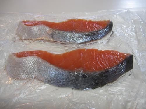 ピチットシートで鮭を脱水